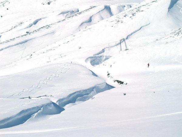 Verleih Rodel oder Skiausrüstung